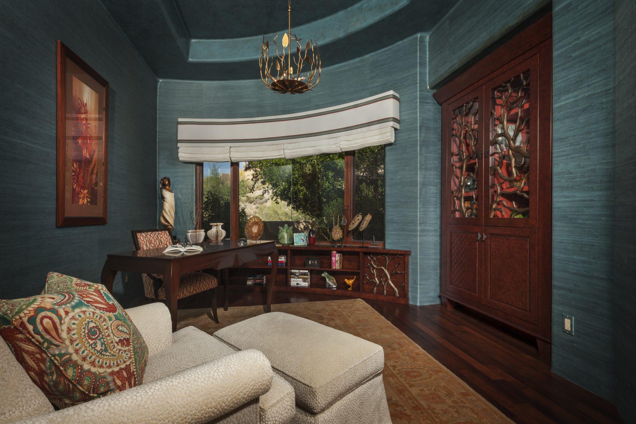 Desert Mountain home office with organic elements - Scottsdale, Arizona. By Sesshu Design Associates