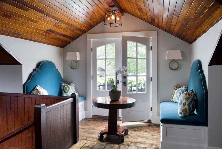 Sitting area by Liz Caan Interiors LLC