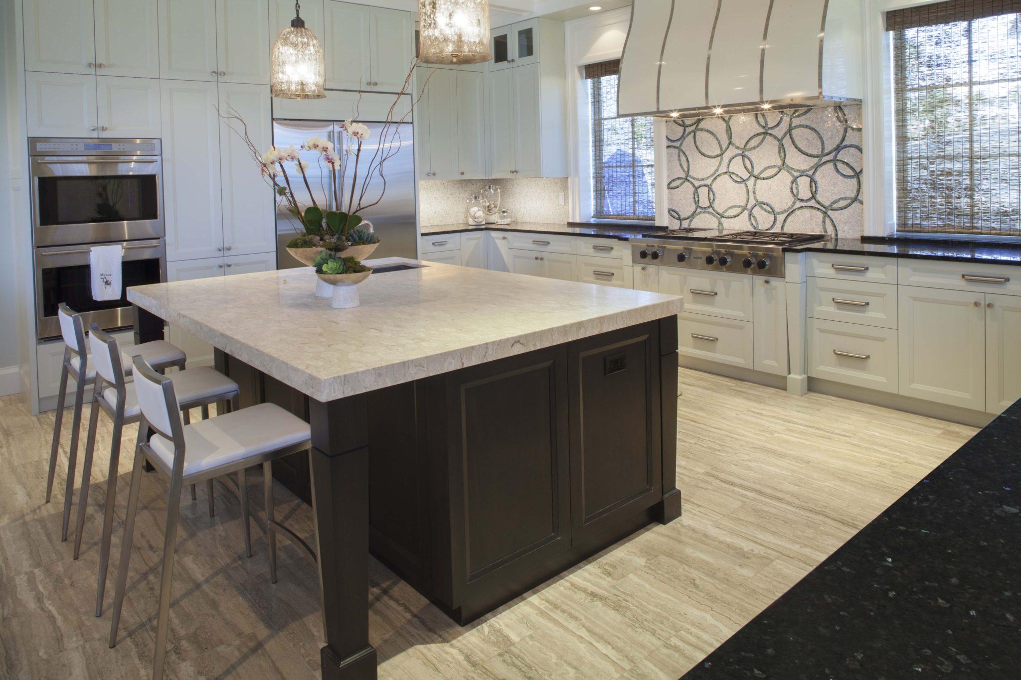 Kitchen island by Jaycox Architects & Associates