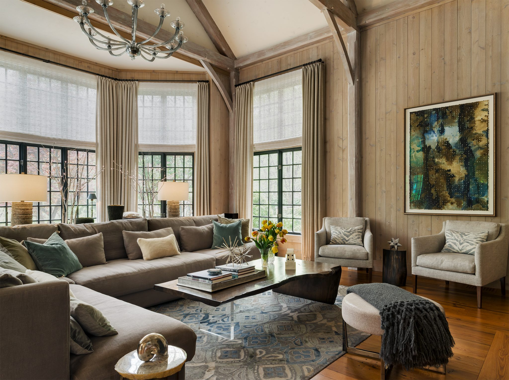 A large scale familyroom, with inviting comfort and style. by Shelley Morris Interiors