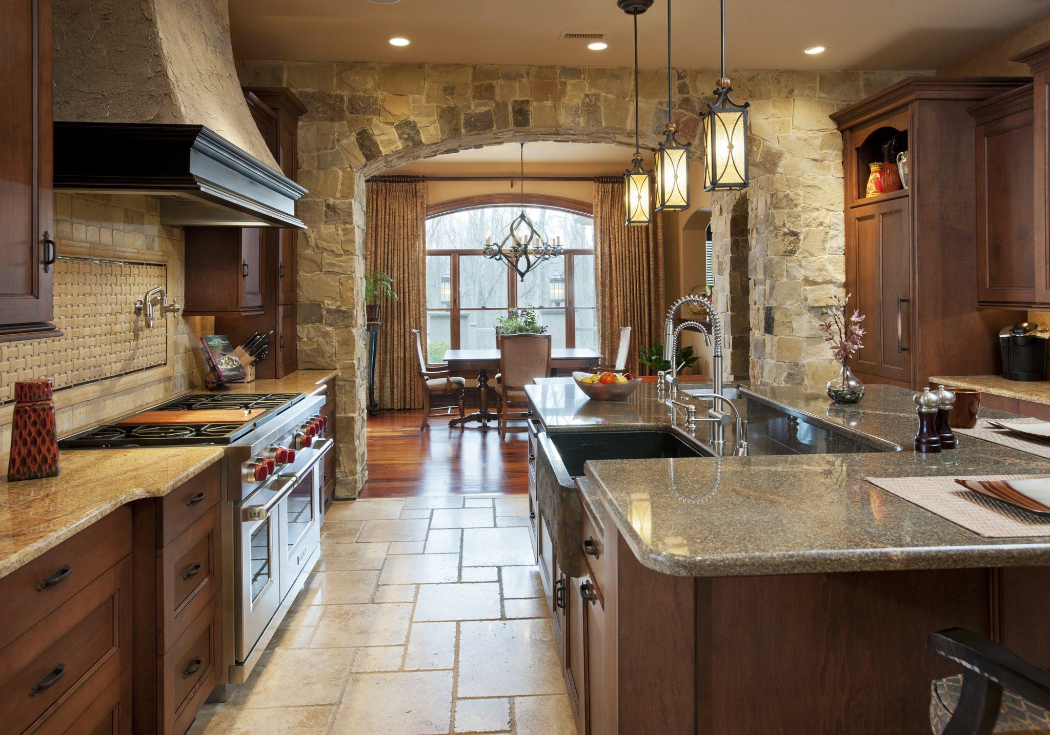 Rustic kitchen by WPL Interior Design