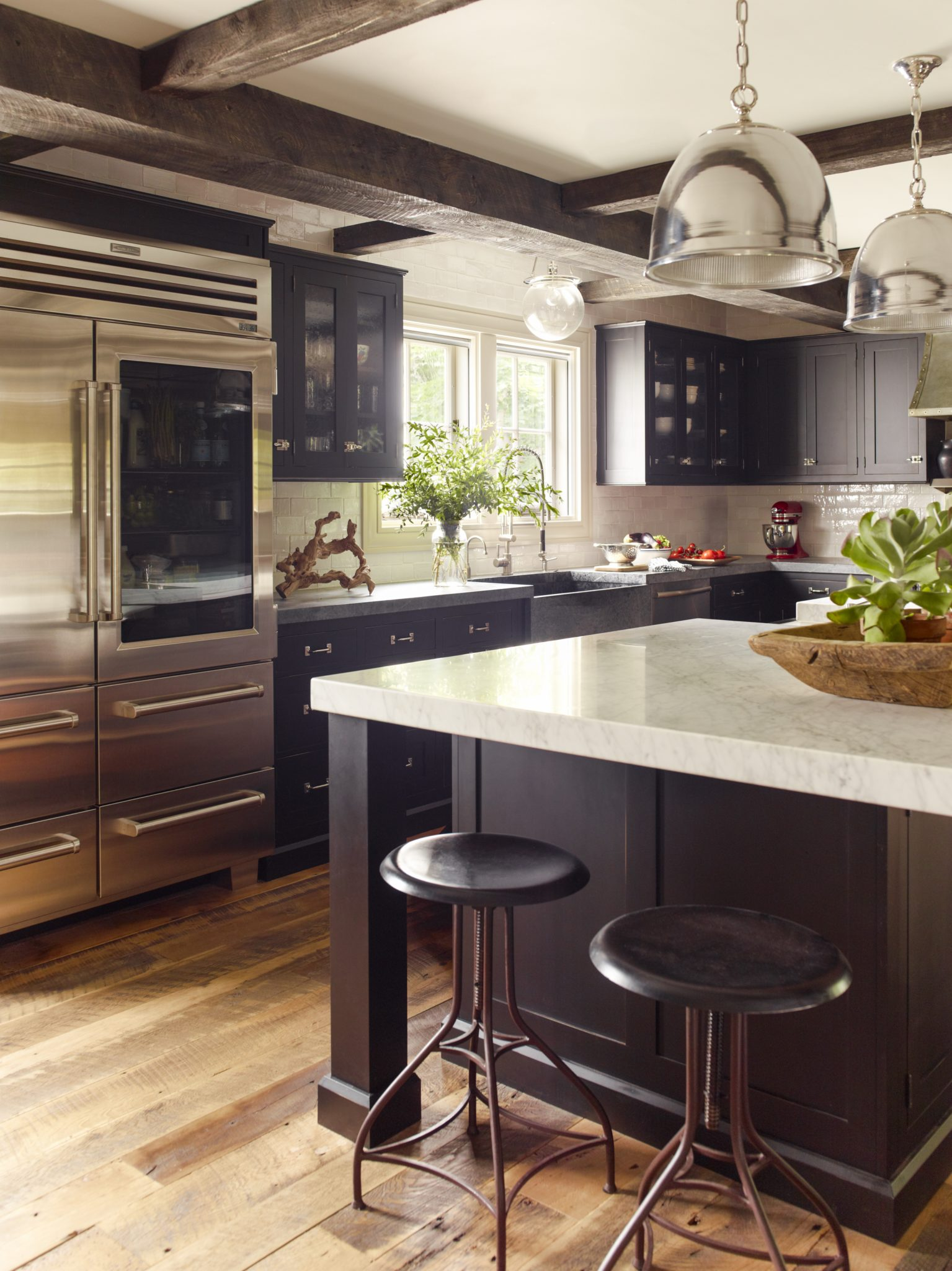 Plateau Circle kitchen by Dunn and Tighe Interiors