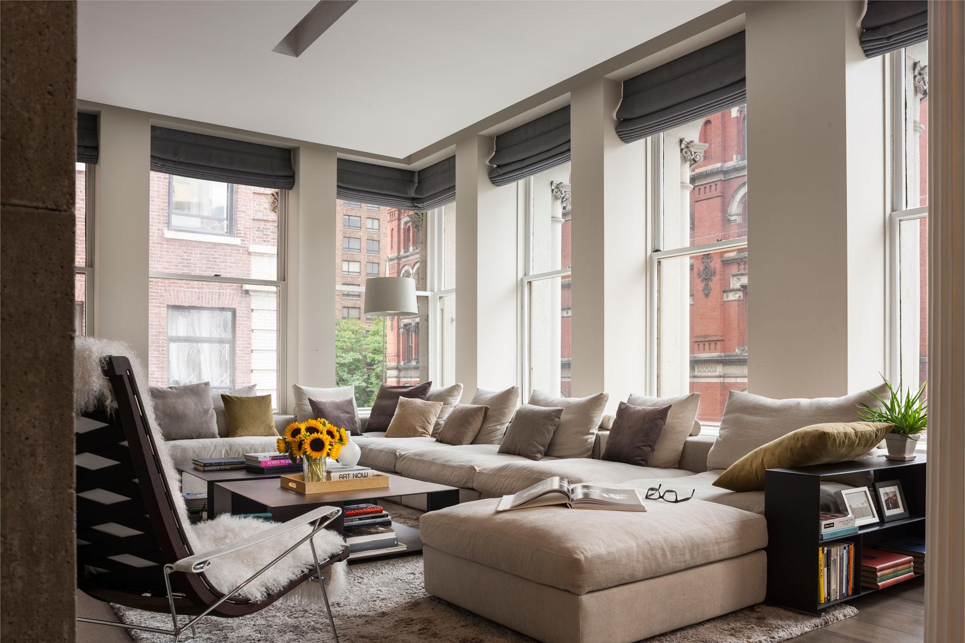 Bond Street loft -lounge by Axis Mundi