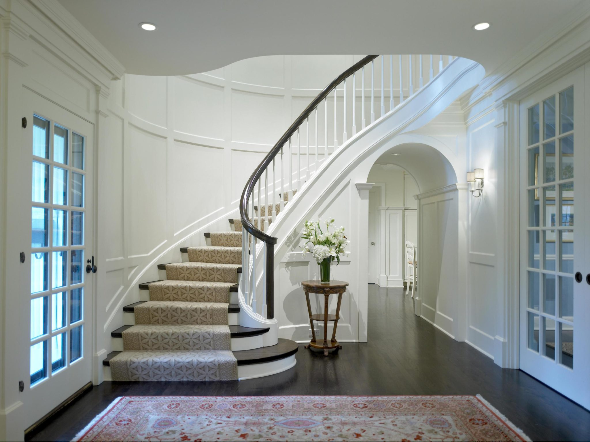 Classic Georgian Paneled Staircase by bba ARCHITECTS