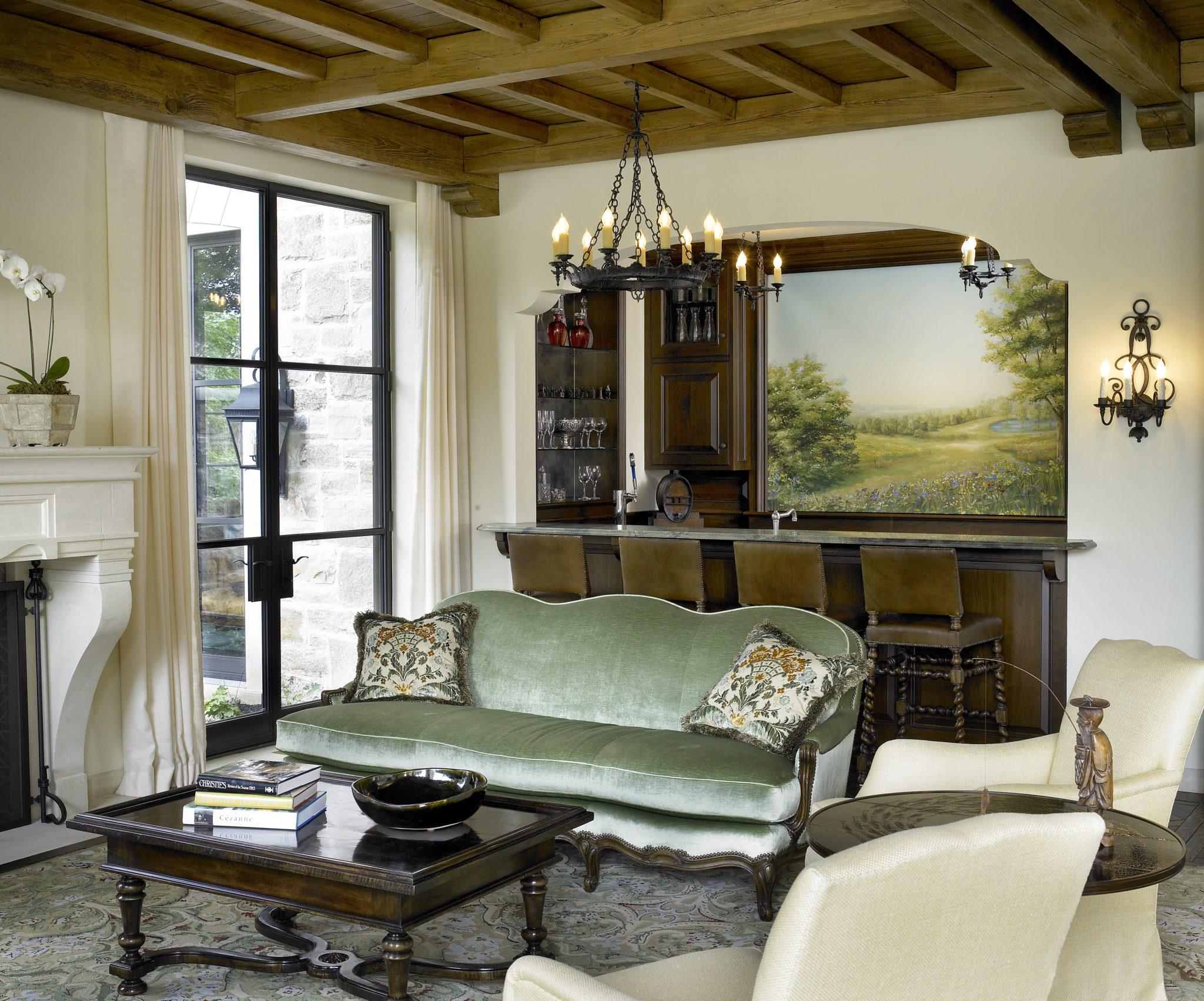 Family room by Frank Ponterio Interior Design