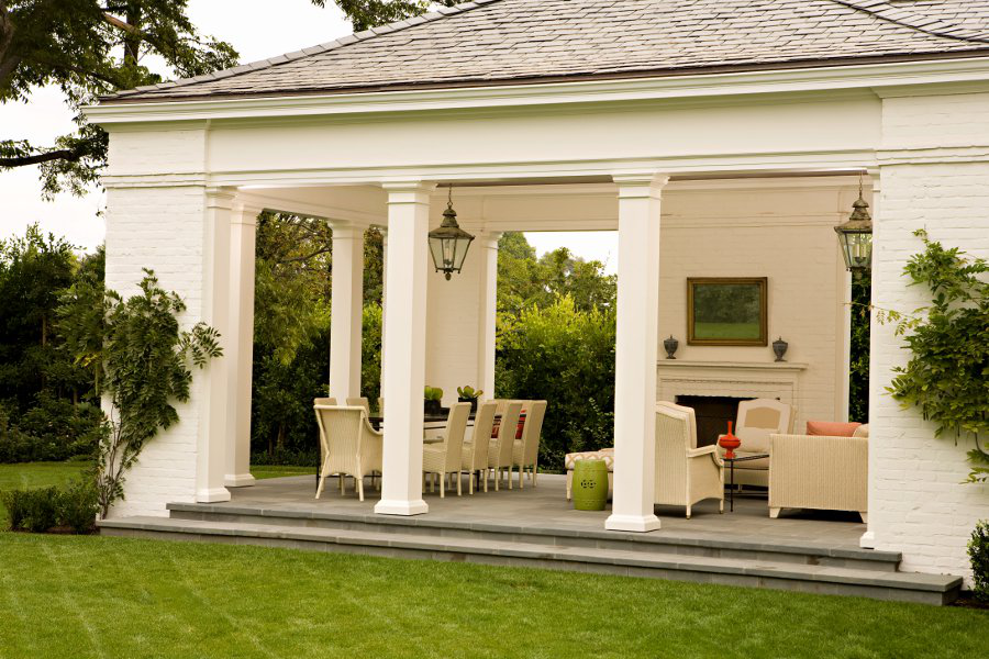 Outdoor space by Elizabeth Dinkel Design