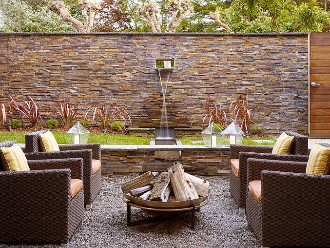 Outdoor area by Geoffrey De Sousa Interior Design
