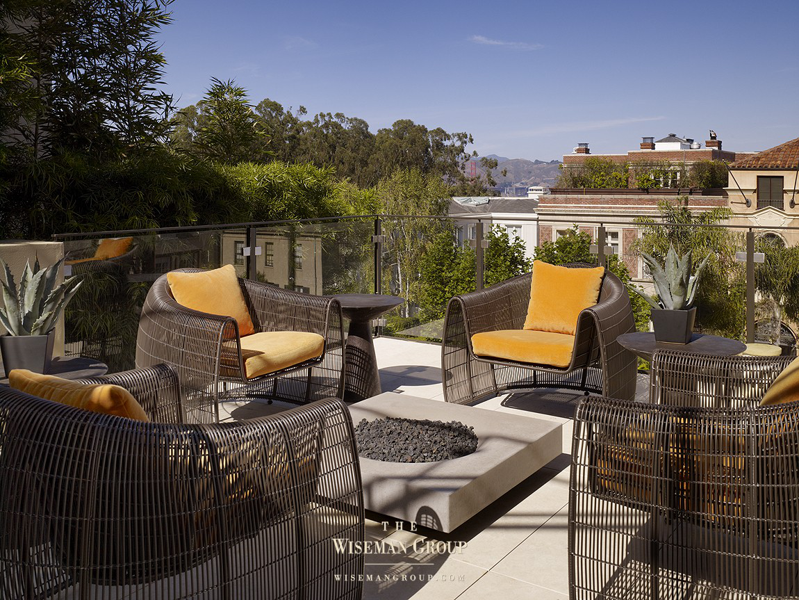 Outdoor area by The Wiseman Group