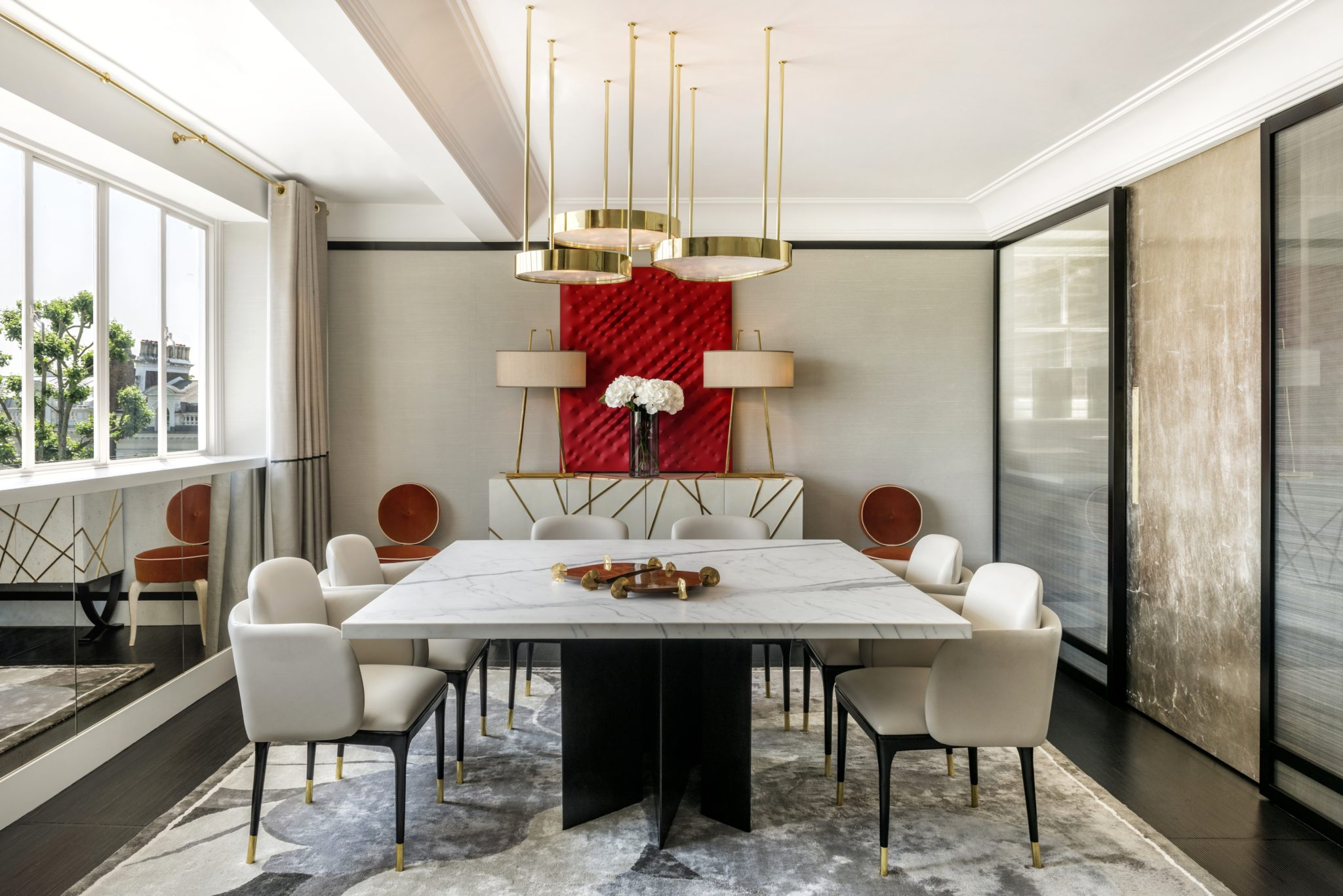London Dining Room featuring custom Salvagni Gio cabinet, chandelier & lamps by Achille Salvagni Architetti