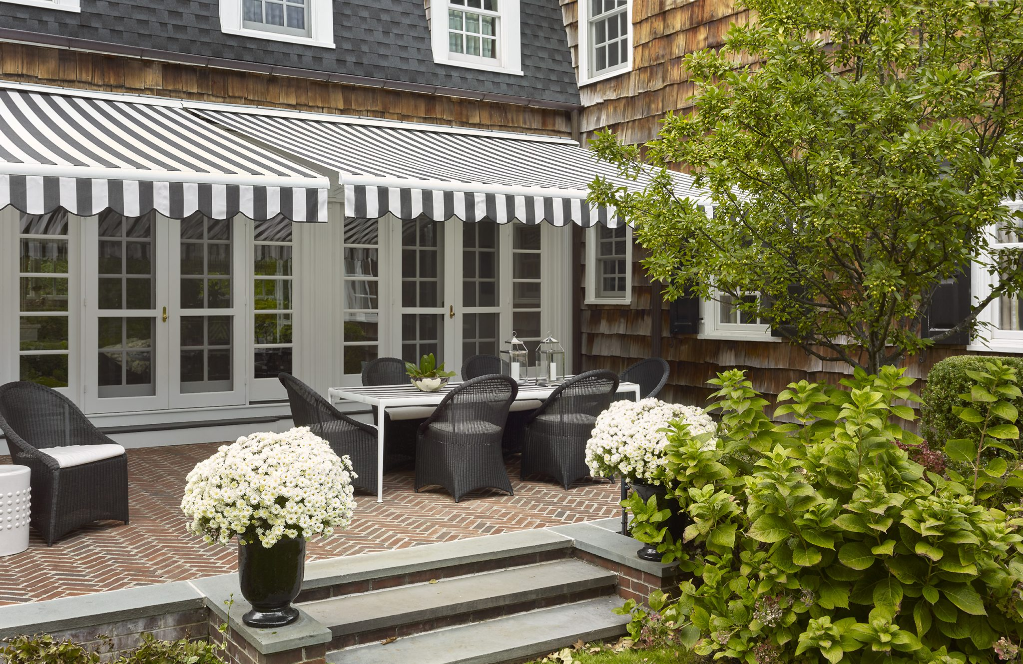 Classic terrace in New Jersey by Christopher Stevens