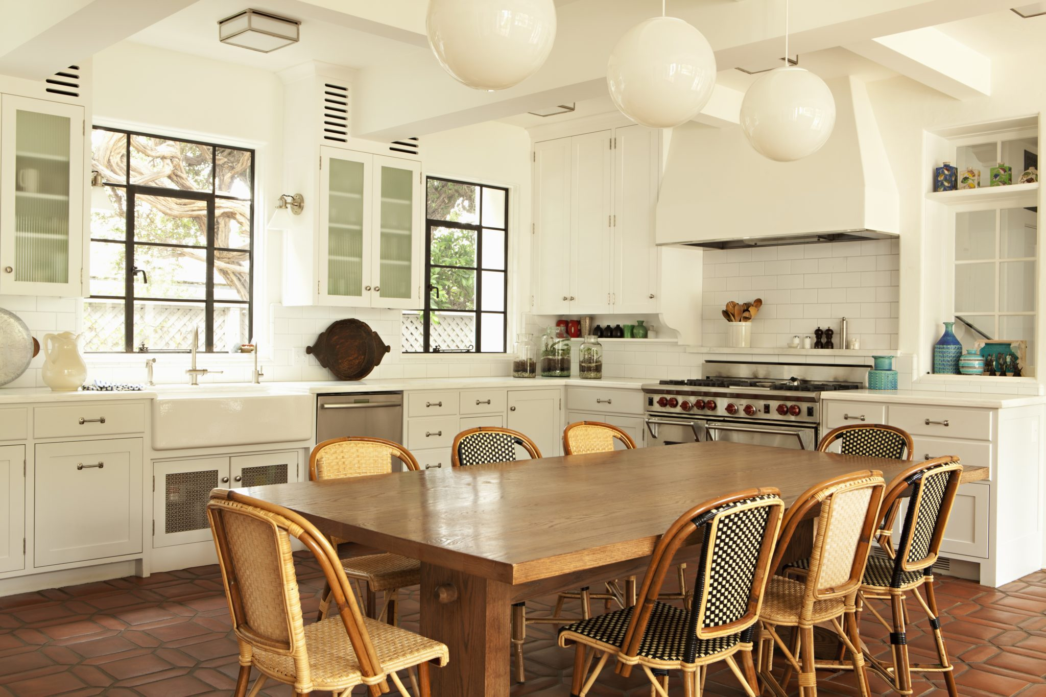 Charming kitchen by Tim Barber Ltd.