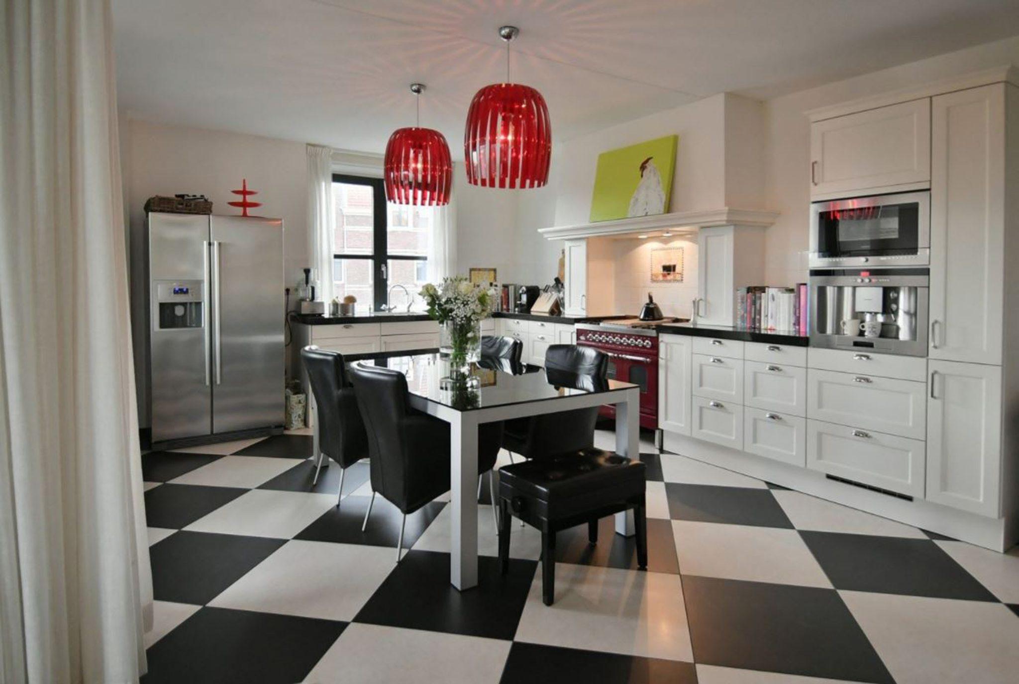 Royal retro family kitchen by Ingrid Bergman Interiors
