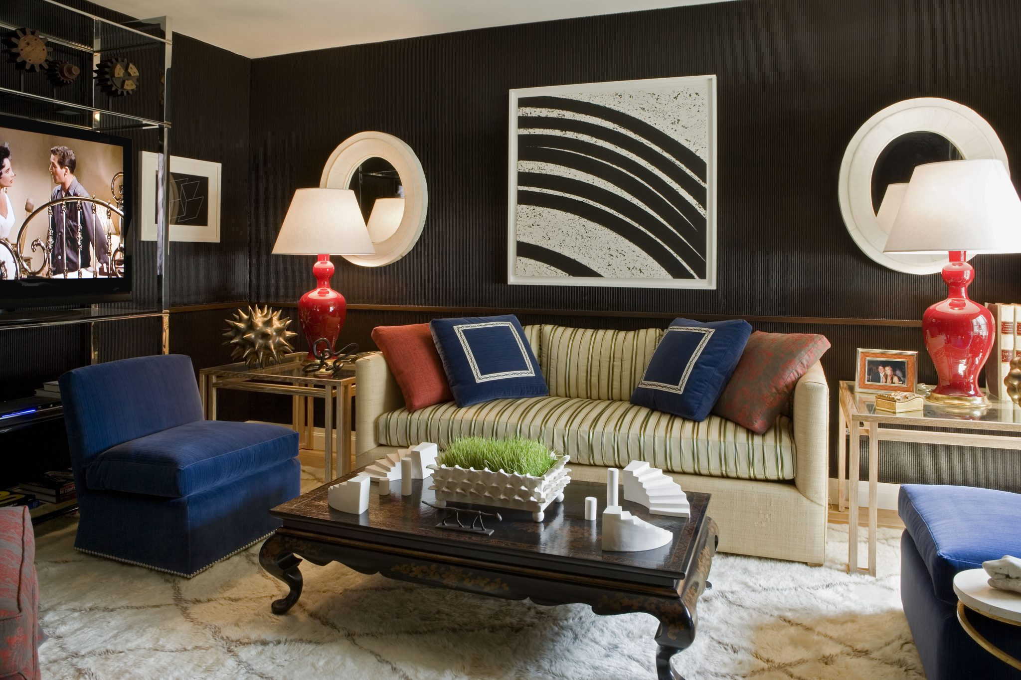 A contemporary living room by Jeff Lincoln Interiors, Inc.
