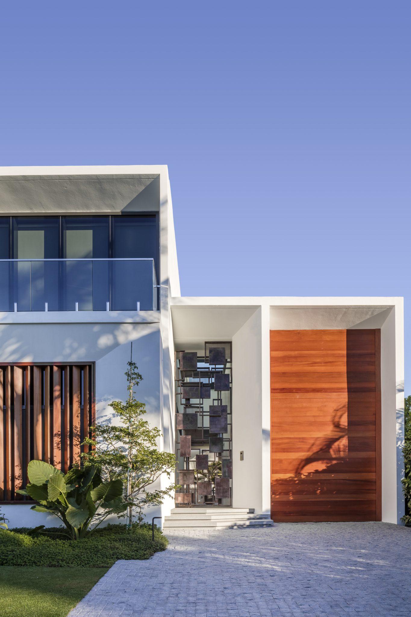 Modern Miami Beach Residence, Architecture, Interiors, Landscape by Brown Davis by Brown Davis Architecture & Interiors