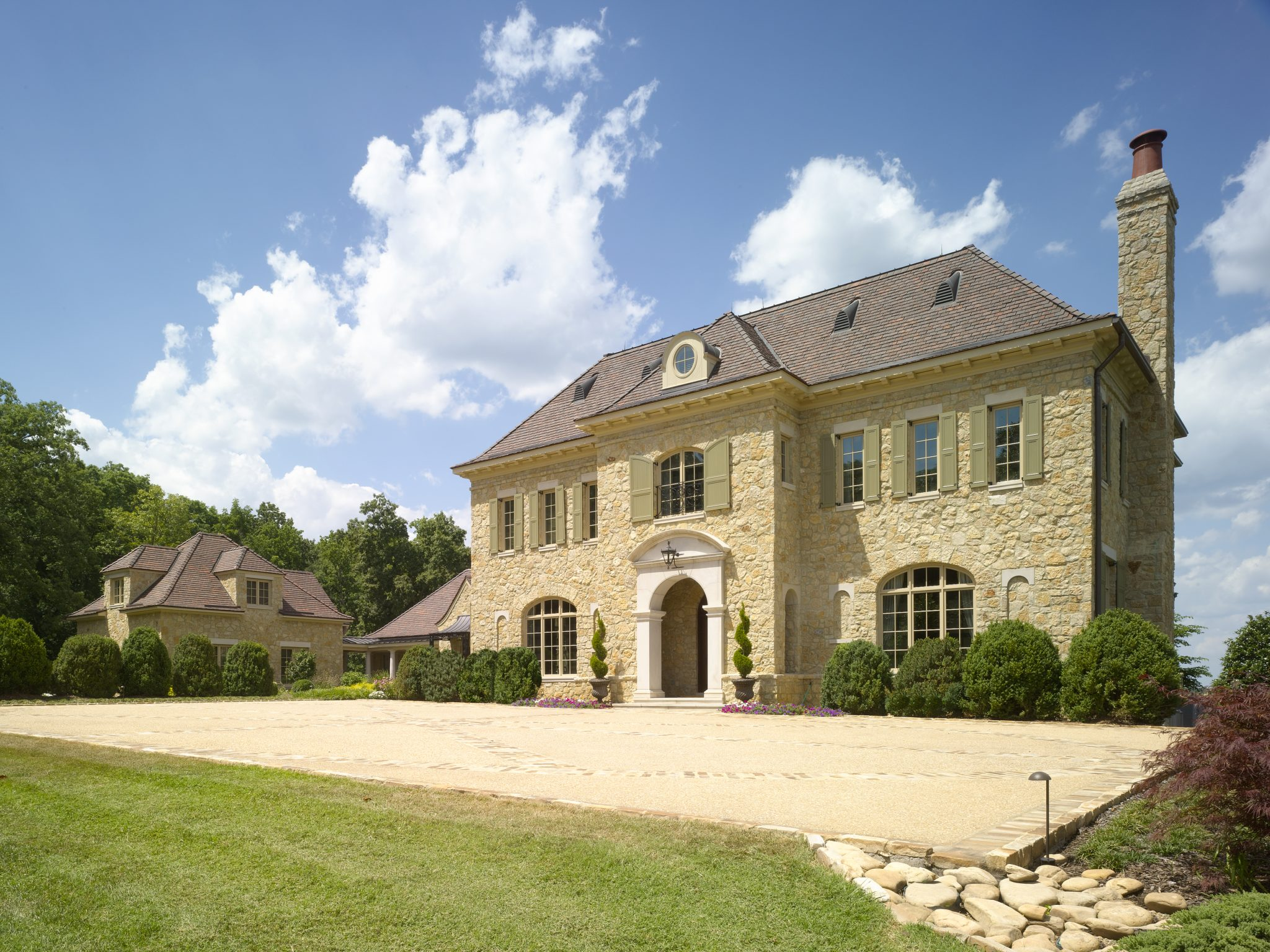 Tennessee River Residence by Harrison Design