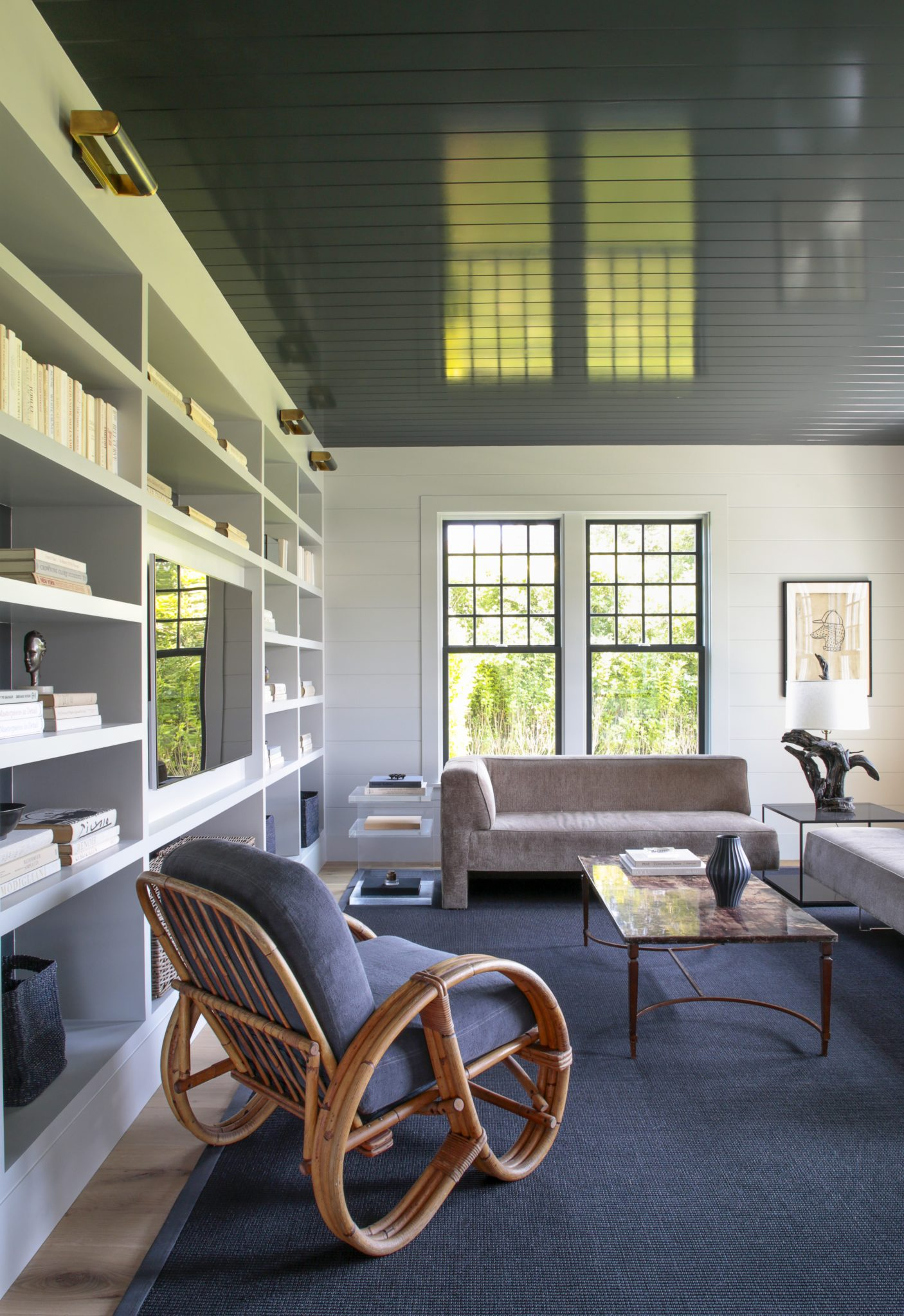 An East Hampton library by Dan Scotti Design