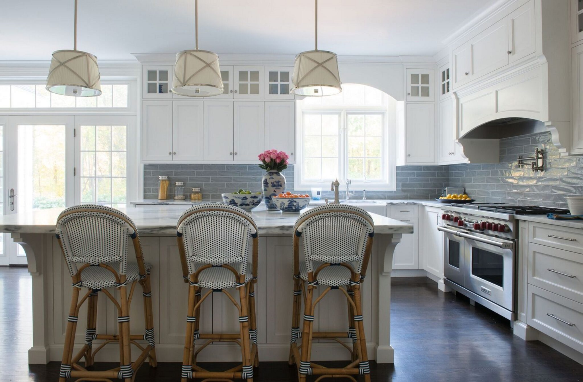 Kitchen island with seating area by Jill Kalman Interiors