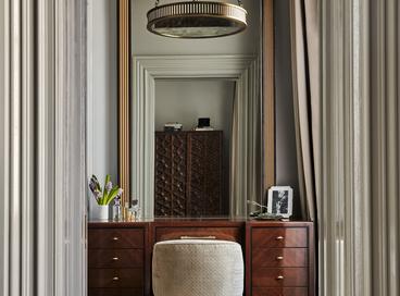 35 Glamorous Bedroom Vanities