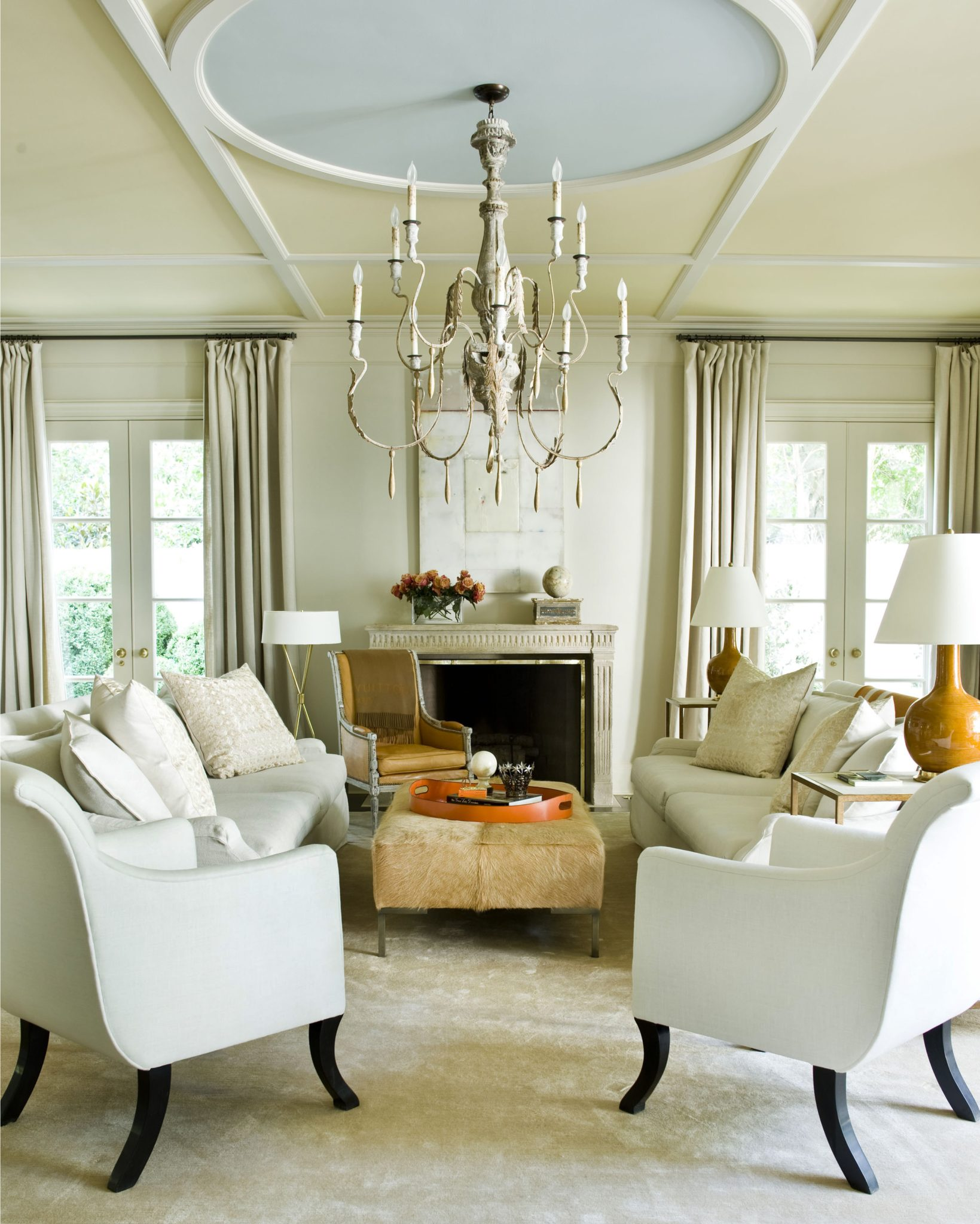 Living room with ceiling detail by Suzanne Kasler Interiors