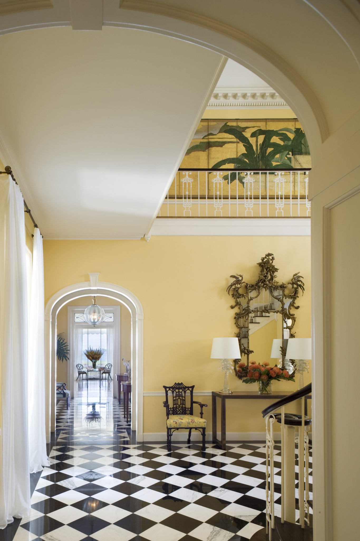 Entry of Palm Beach home by Thad Hayes