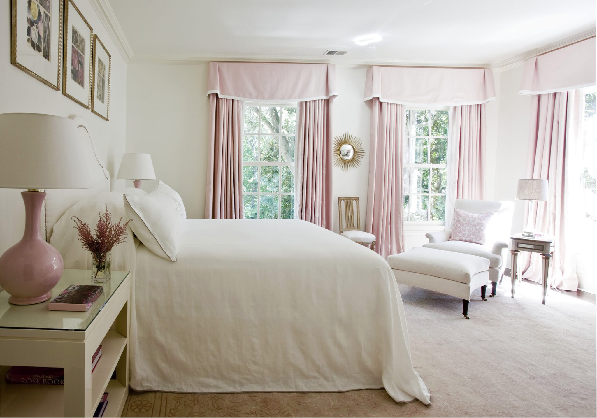 Bedroom with neutrals by Suzanne Kasler Interiors