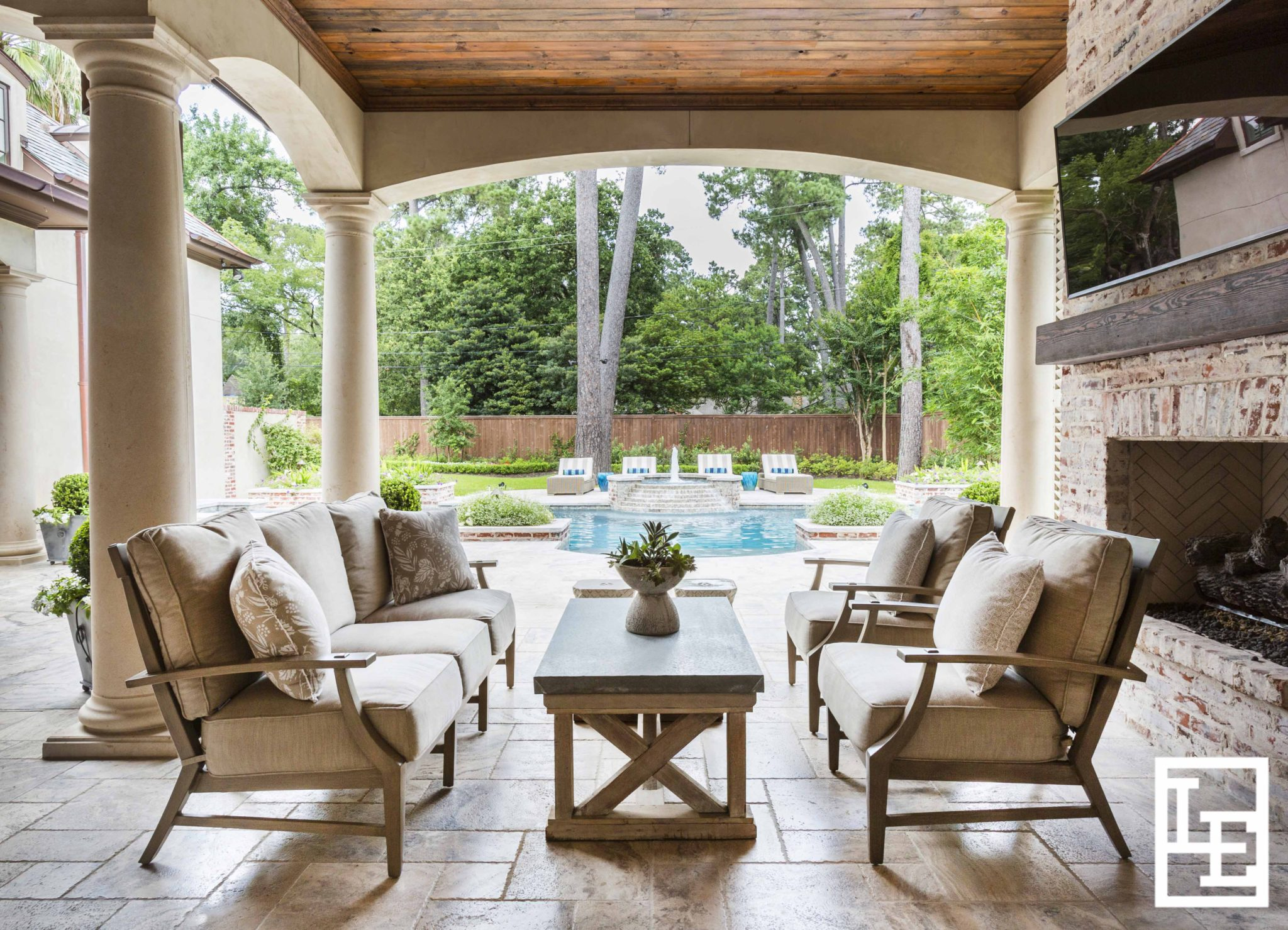 Outdoor Living Space by Lucas Eilers Design Associates, LLP