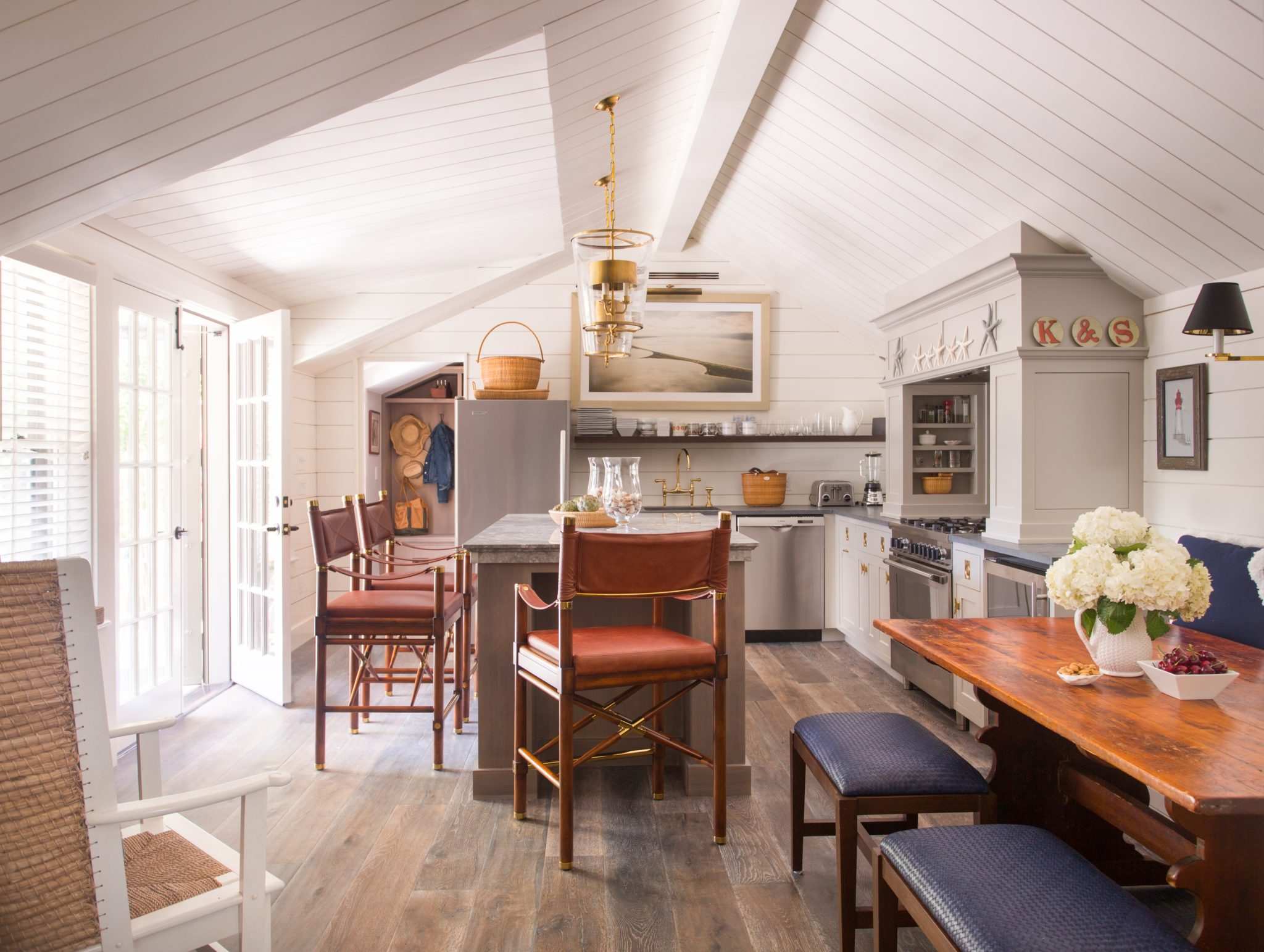 Classic Nantucket cottage kitchen by Kristin Paton Interiors