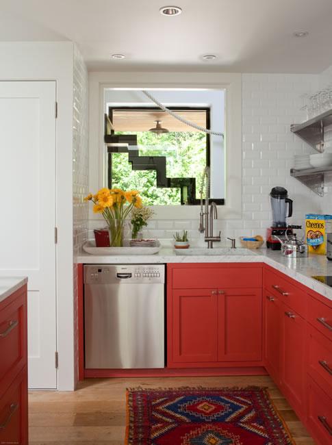 A Sag Harbor kitchenby Moises Esquenazi & Associates