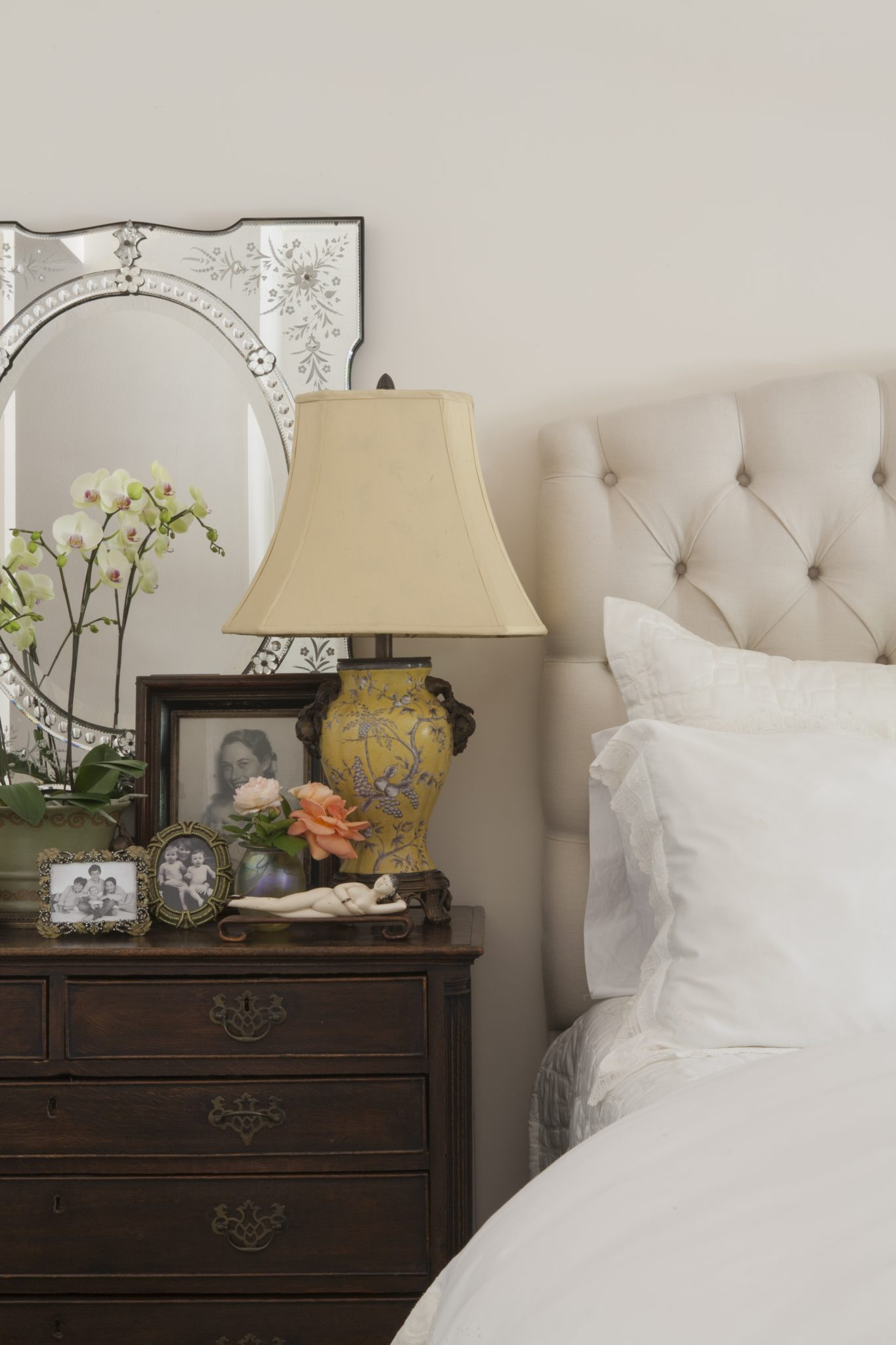 Guest bedroom by Blythe Home
