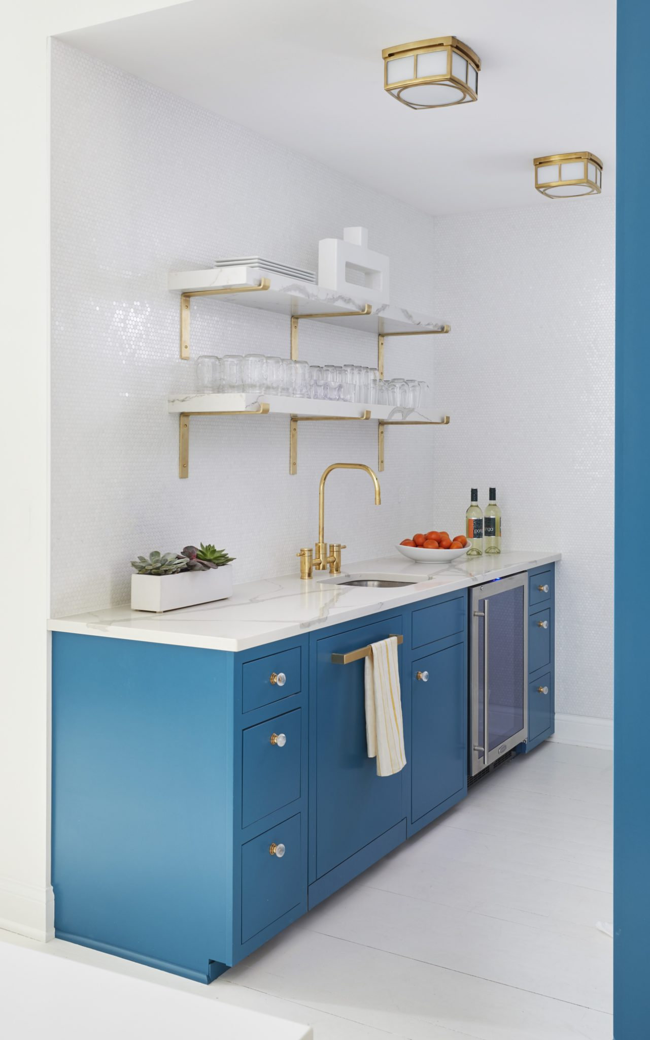 AKD Studio Space - Kitchenette by Amy Kartheiser Design