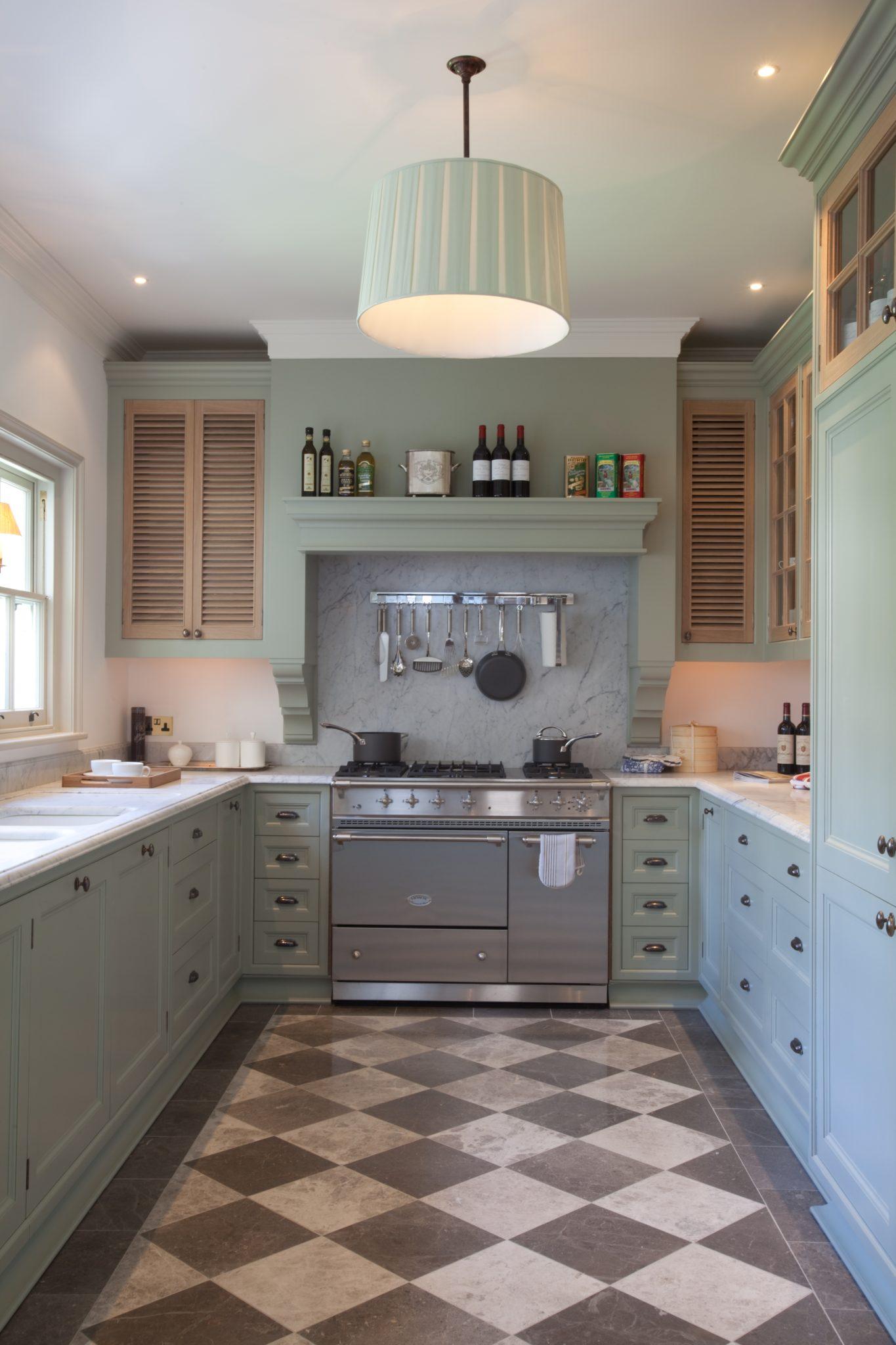 Kitchen in a London residence by Gabriel Bernardi