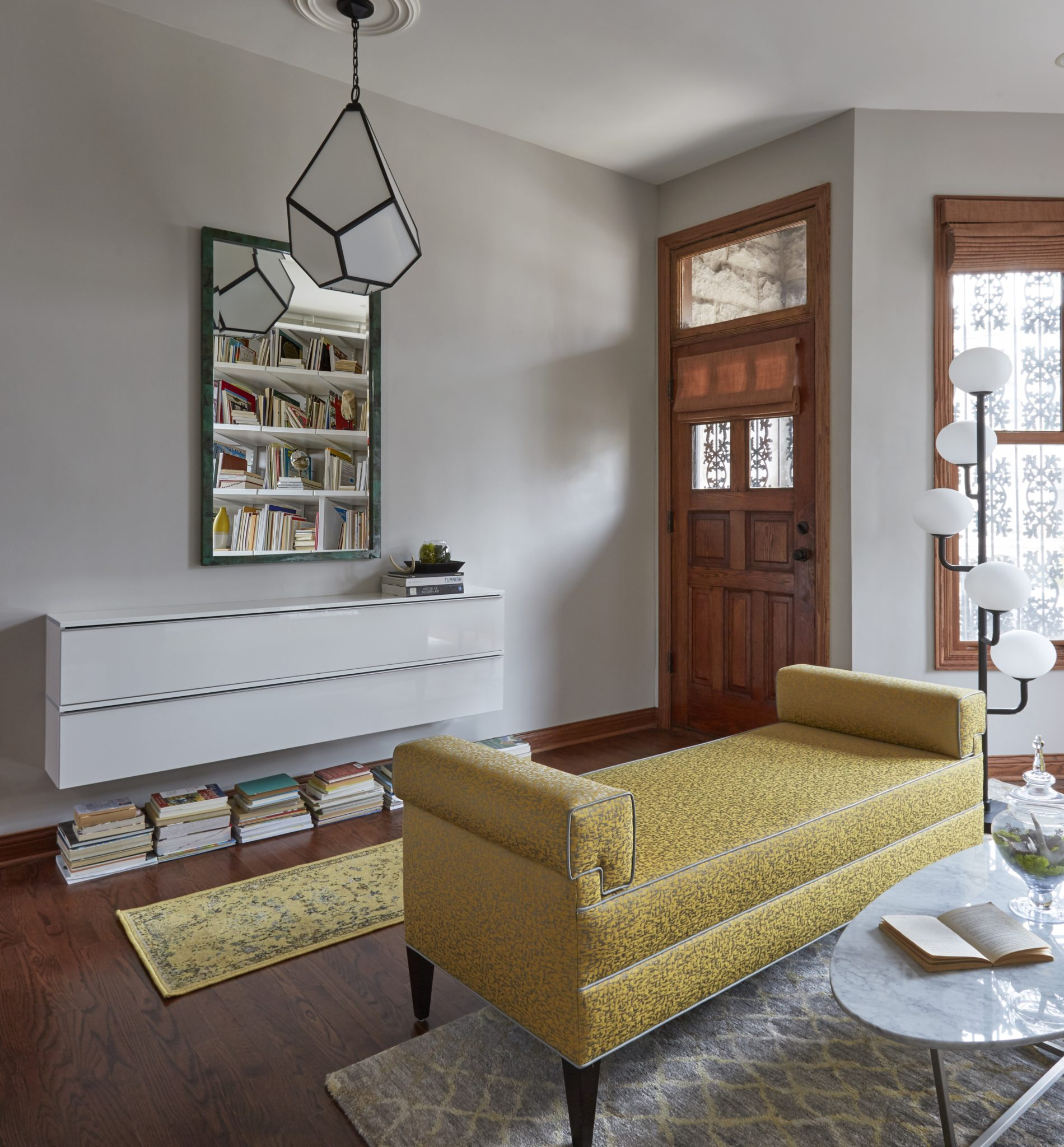 Hyde Park Brownstone by MILIEU