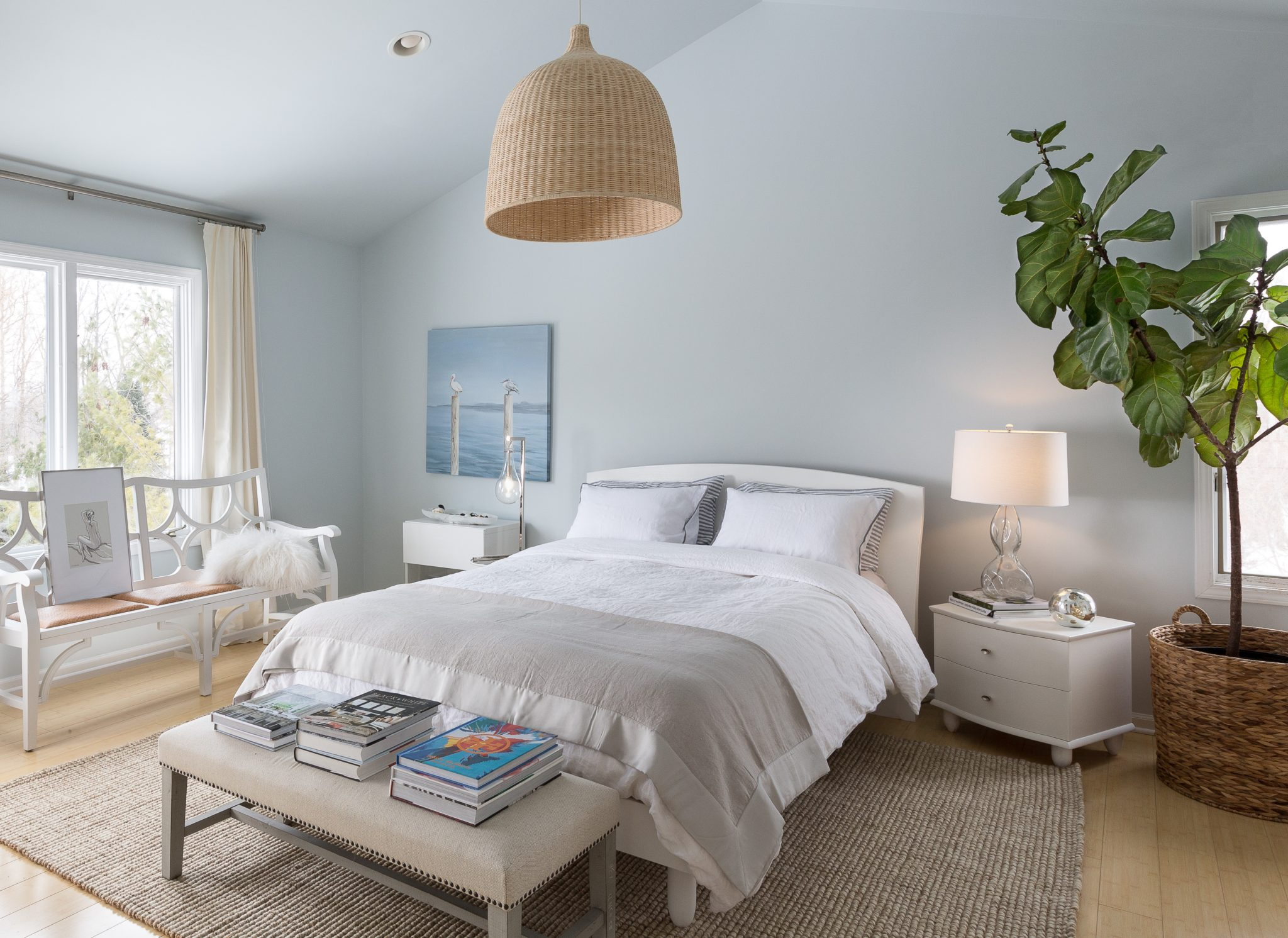 Coastal casual bedroom. Soft shades of blues and whites make the space relaxing. By Armina Interiors