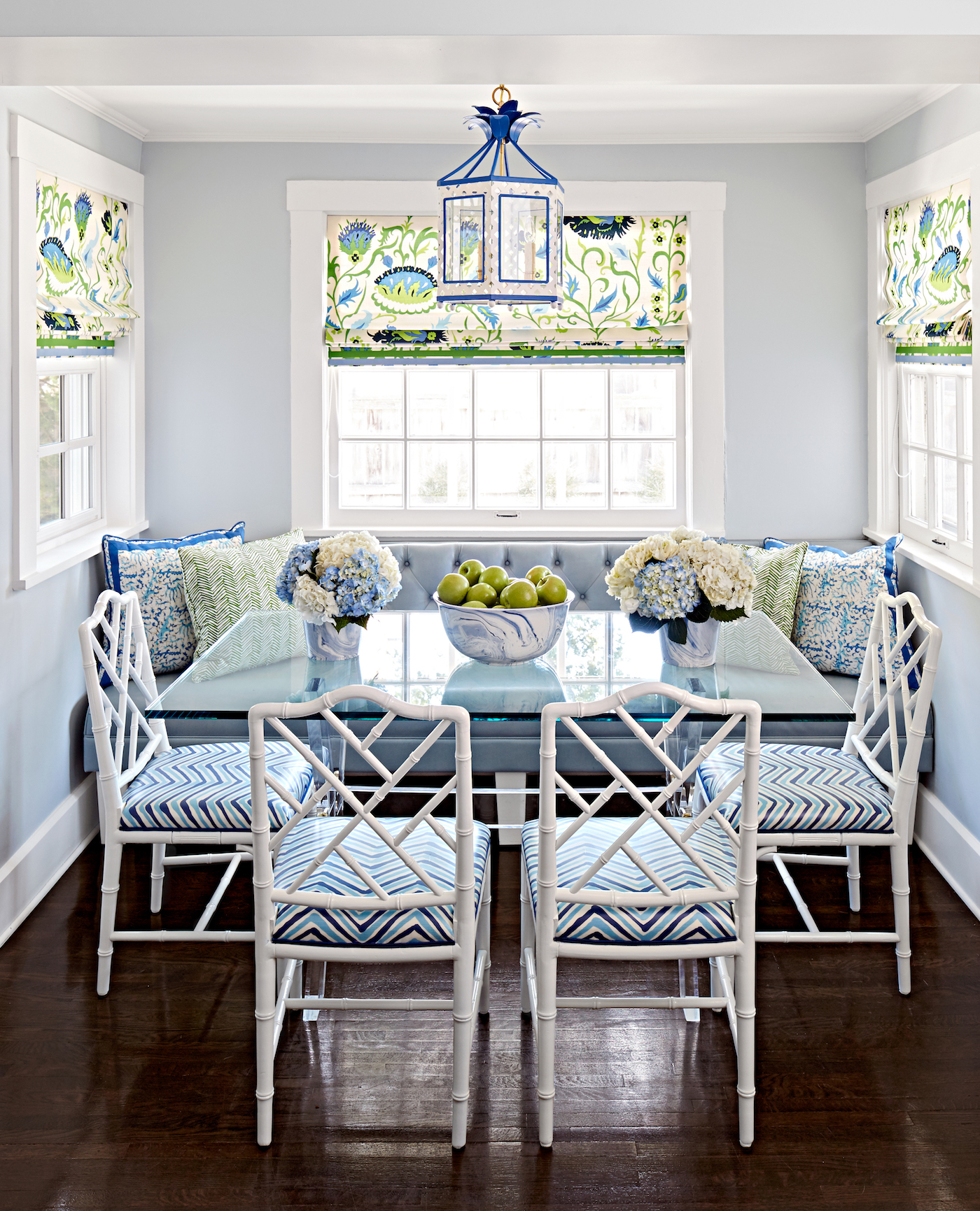 Breakfast room by Amanda Reynal Interiors