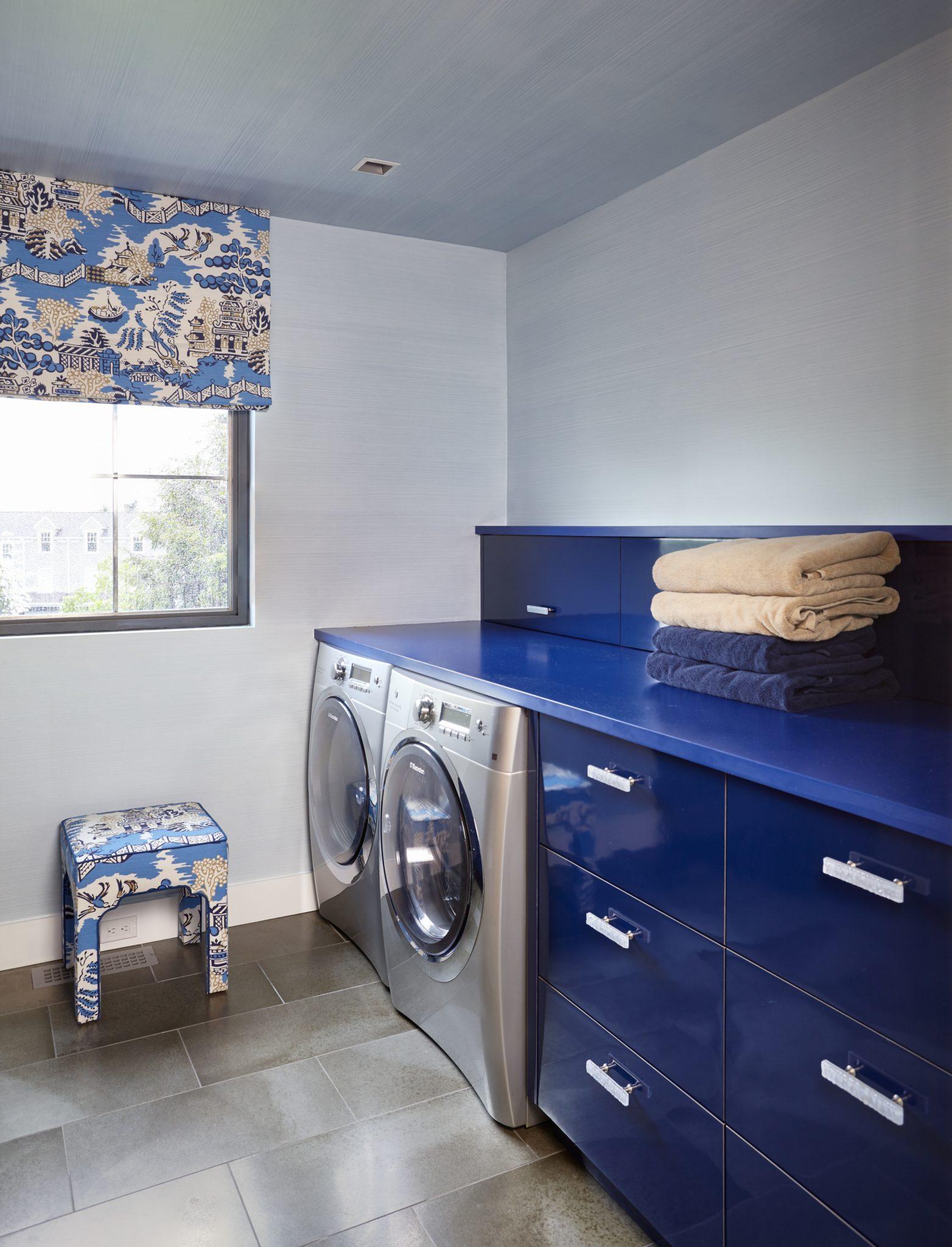 Laundry Room Striae Glazed Walls And Ceiling by Heidi Holzer Design & Decorative Work