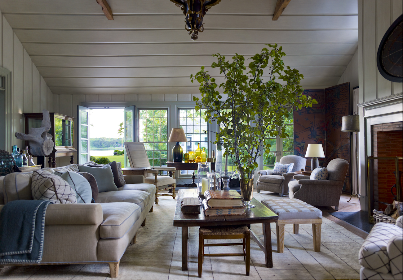 """""""My father and I spent three days glazing the walls and ceiling plans in this room to emulate years of patina."""""""