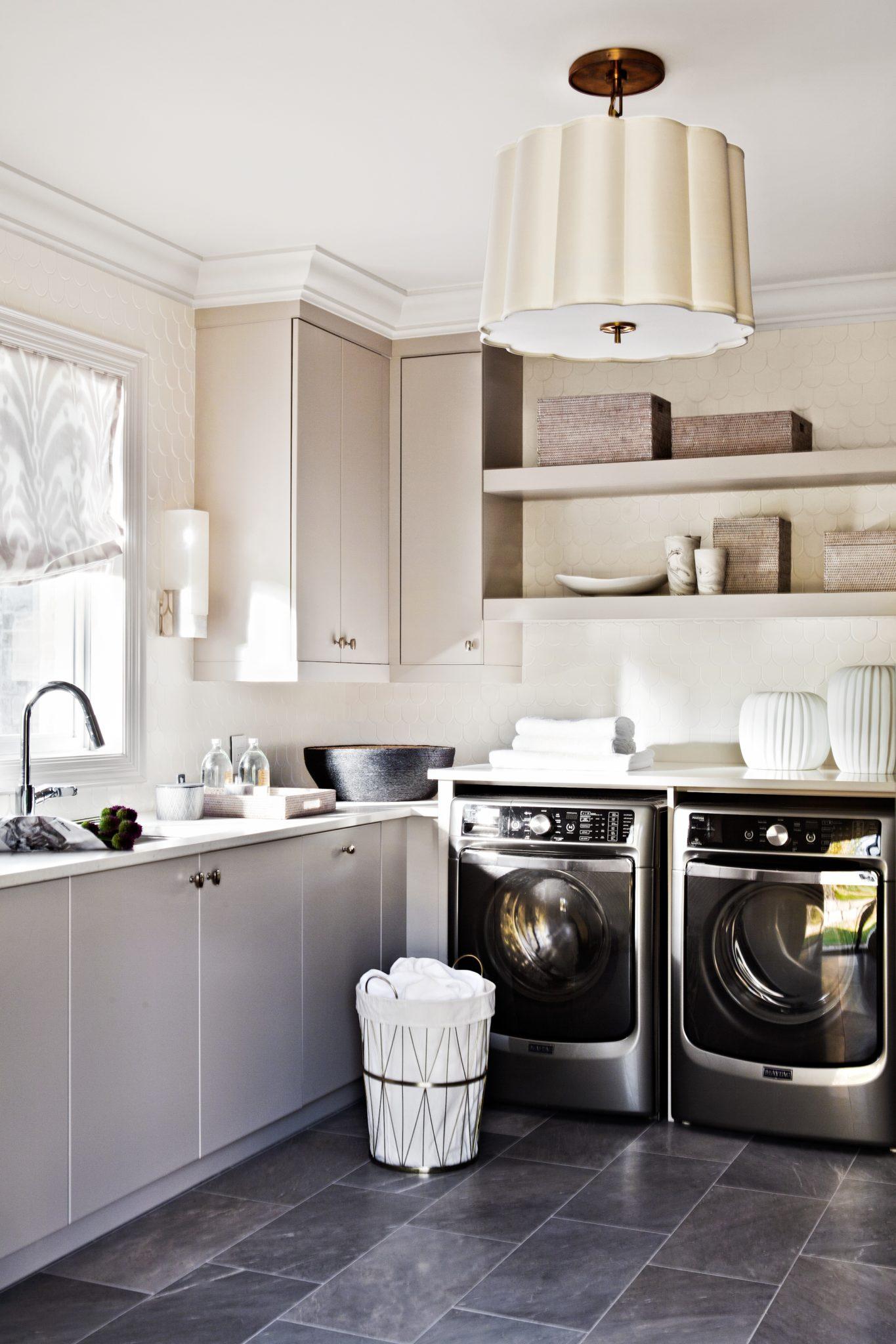 Laundry Room designed by Elizabeth Metcalfe Interiors & Design Inc. by Elizabeth Metcalfe Interiors & Design Inc.