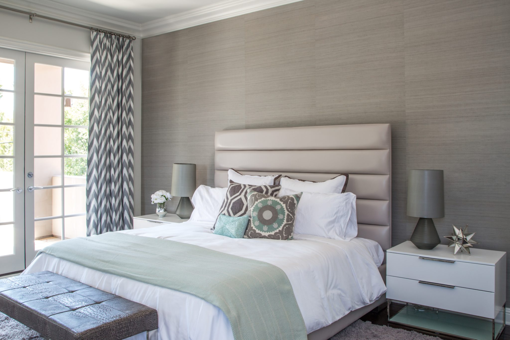33 examples of decorating with hightexture wall coverings