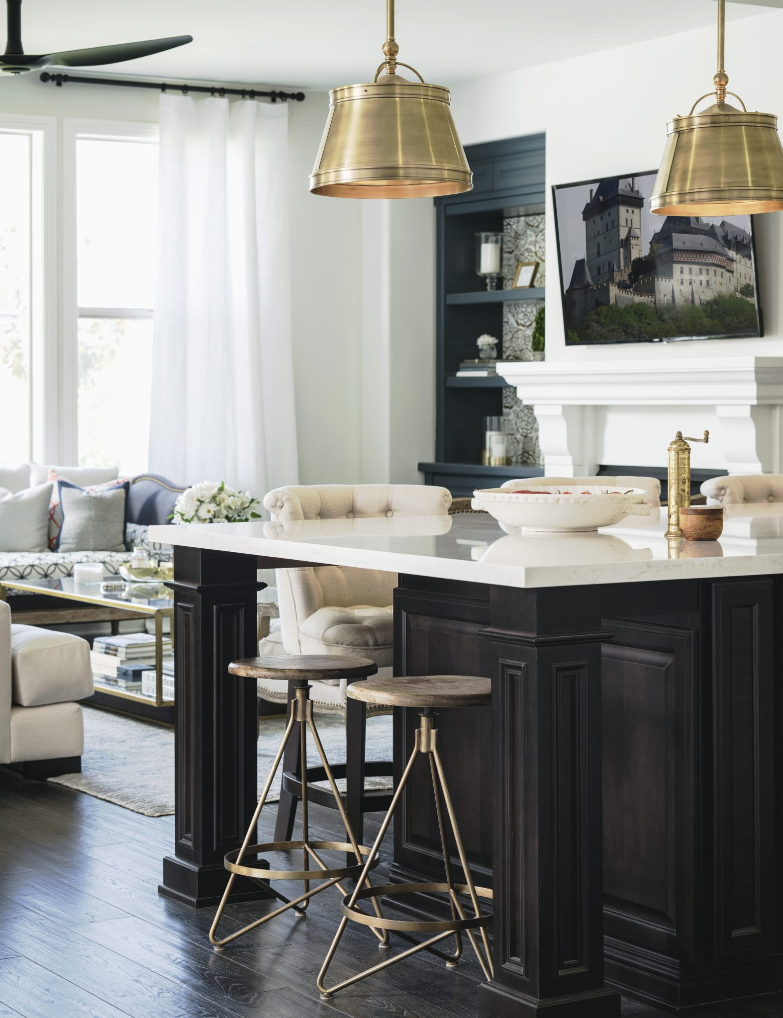 Maison Noir kitchen and living room by CM Natural Designs
