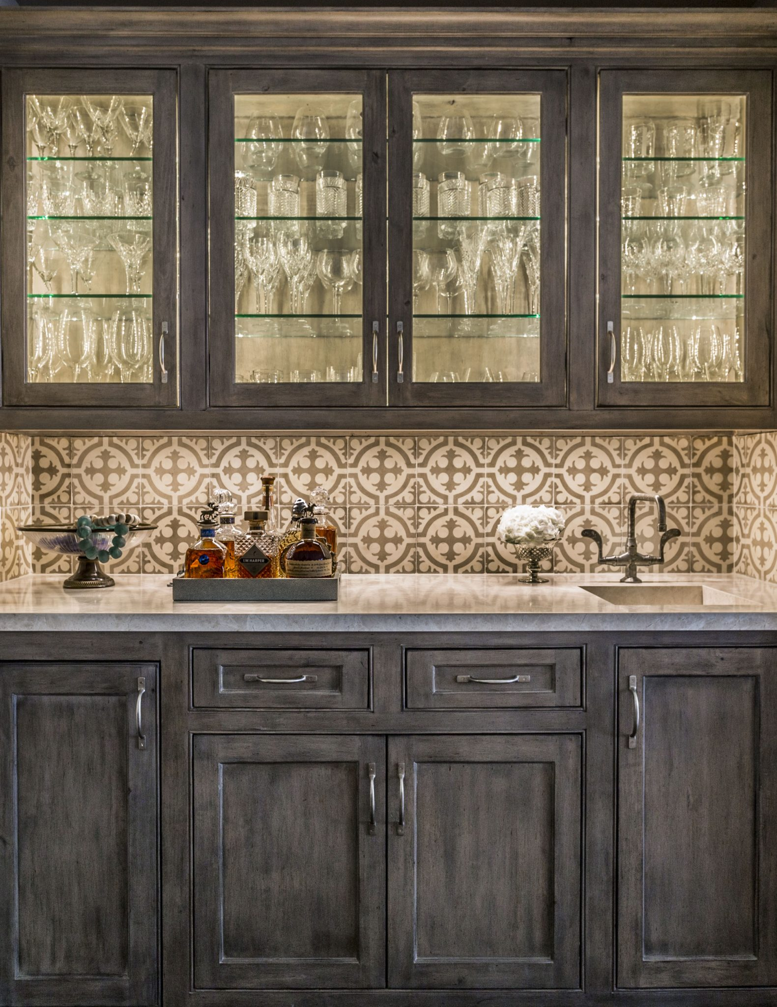 Briargrove Houston Bar With Chateau Domingue Tile Backsplash by Cindy Witmer Designs