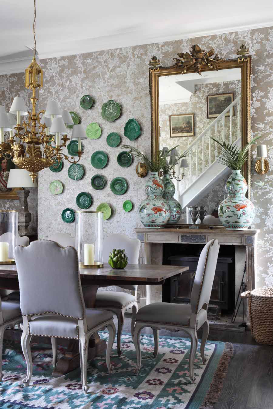 Traditional and classic dining room with antiques and Ralph Lauren wallpaper by VSP Interiors