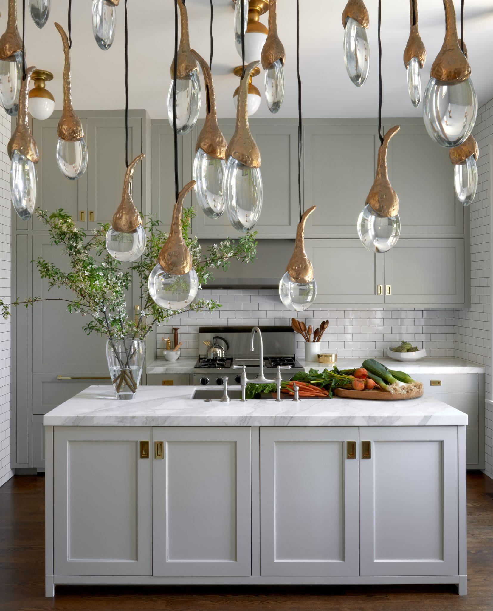 Chicago kitchen by Lisa Gutow Design