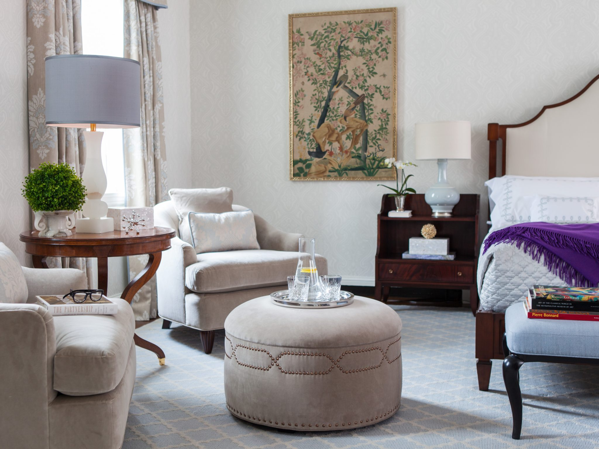 Bedroom by Dunn and Tighe Interiors