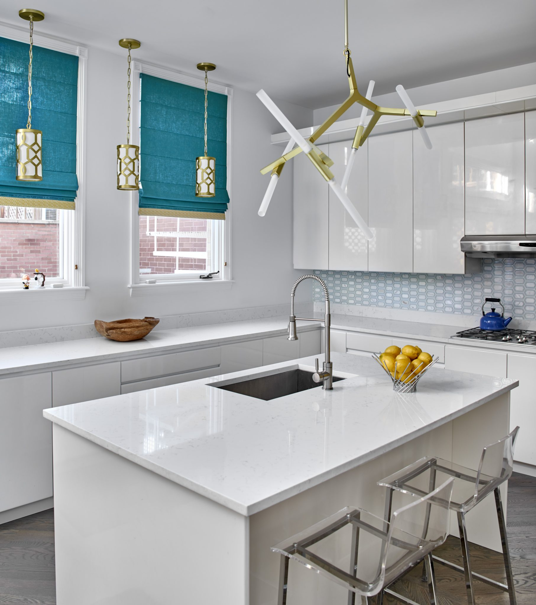 An all-white kitchenby MILIEU