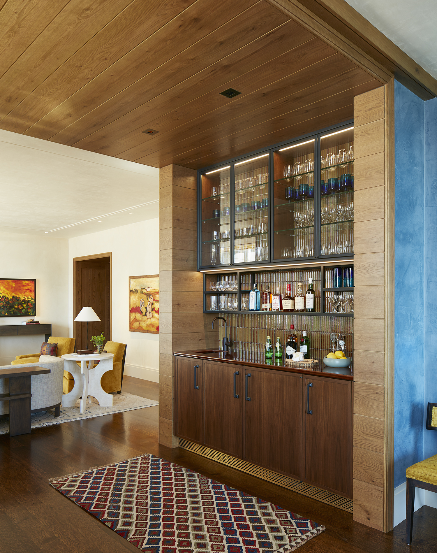 Modern Butlers Pantry by bba ARCHITECTS
