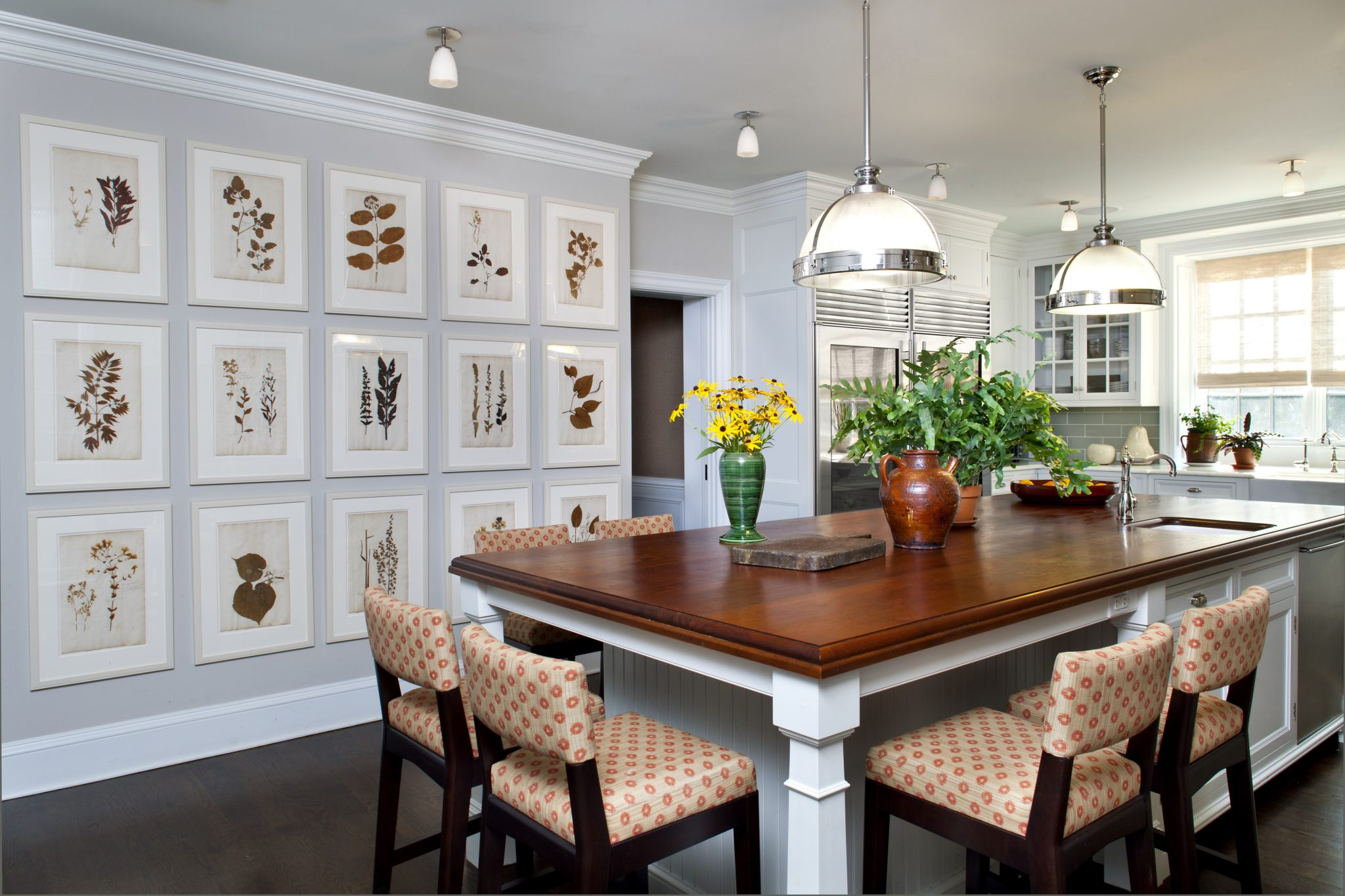 Large family kitchen in Westchester by Glenn Gissler