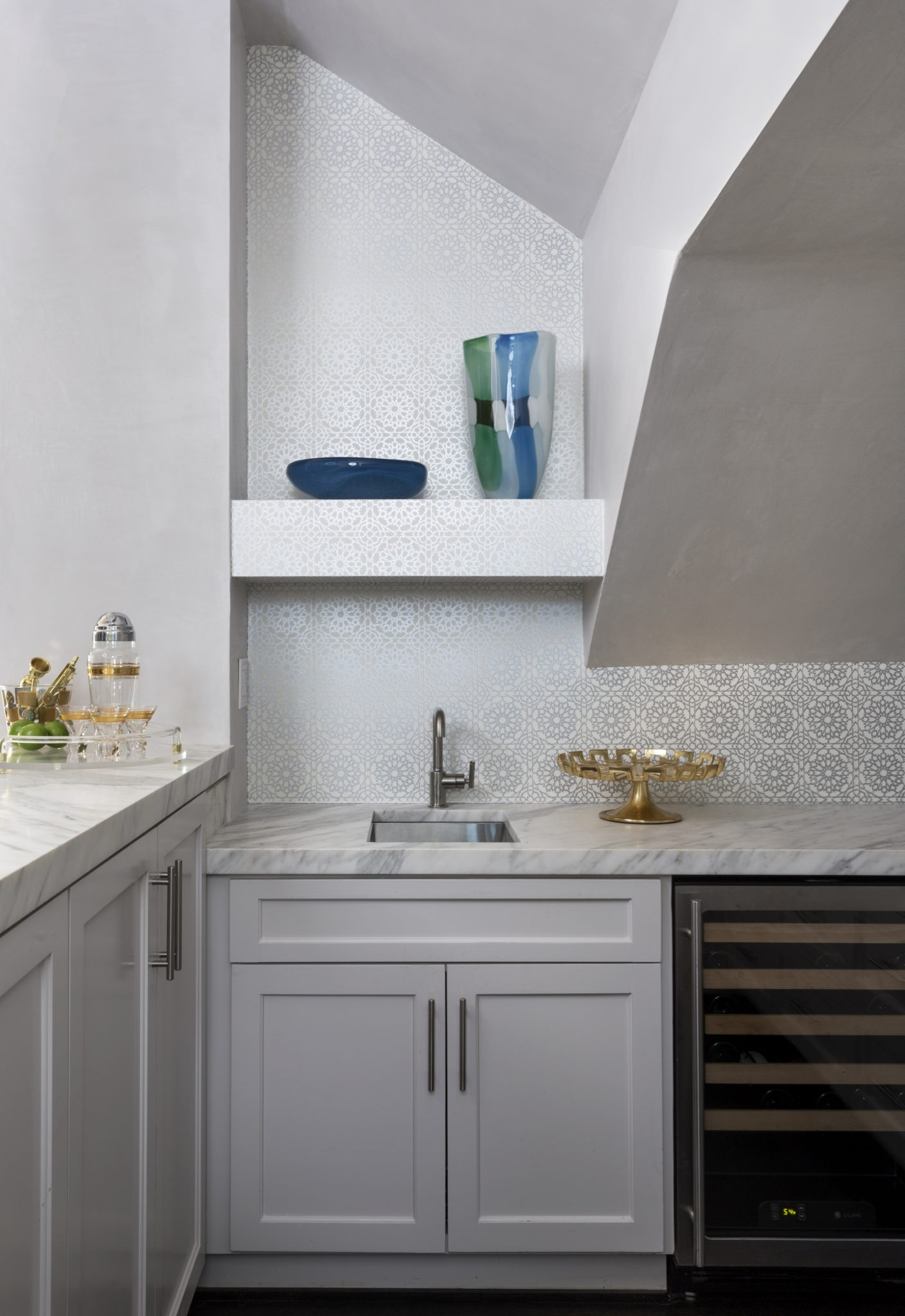 Tanglewood Houston Bar Vignette with Patterned Wallpaper by Cindy Witmer Designs