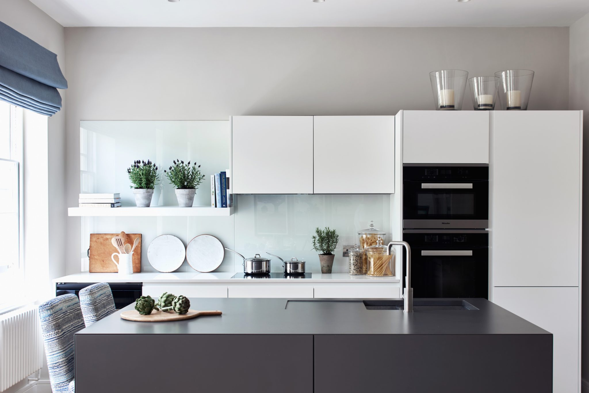 Georgian Apartment Kitchen by Sims Hilditch