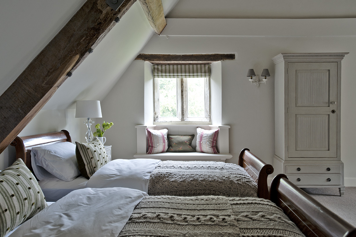 Dorset Manor House Guest Bedroom by Sims Hilditch