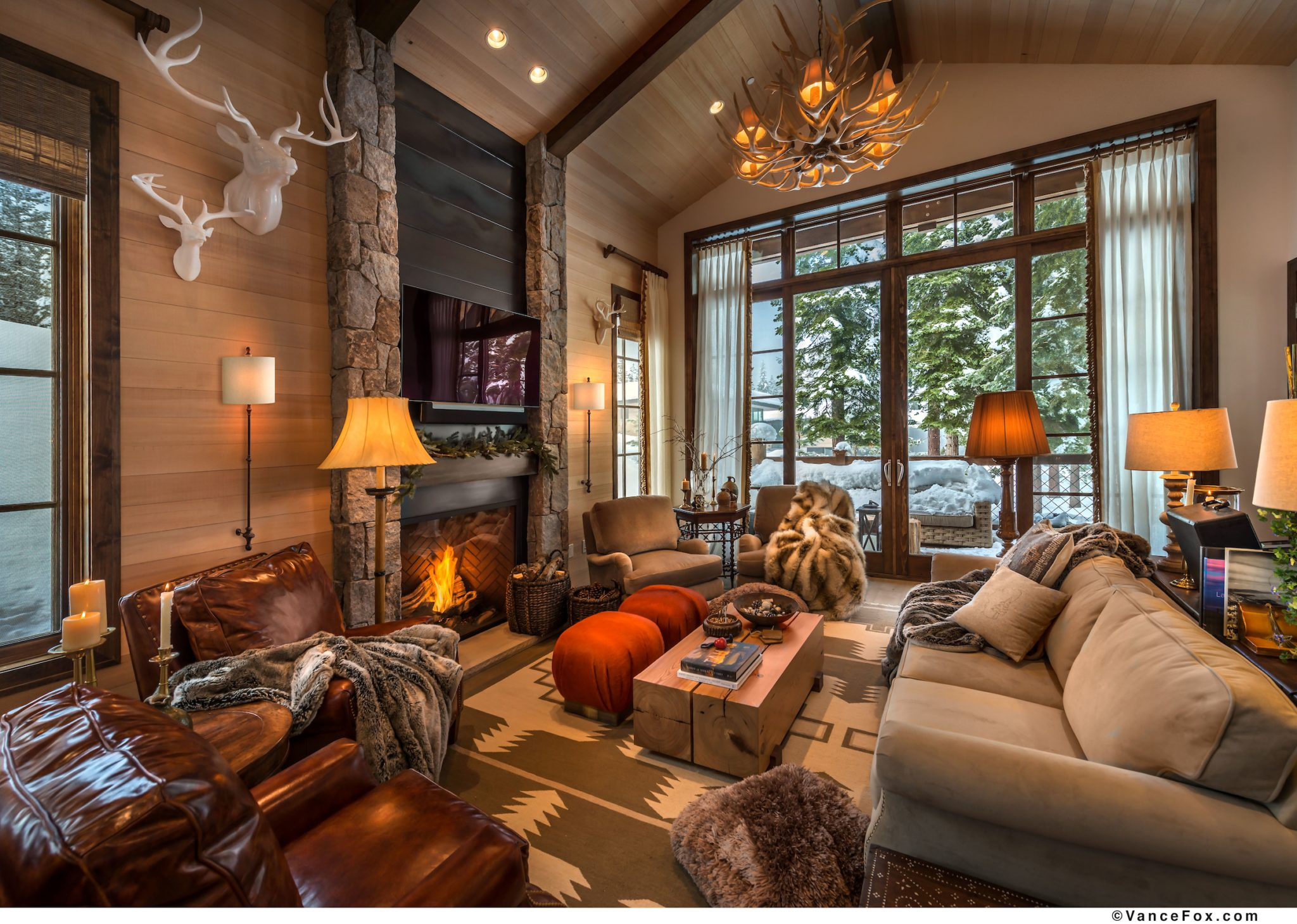 Cozy cabin living room by Scott Corridan Design